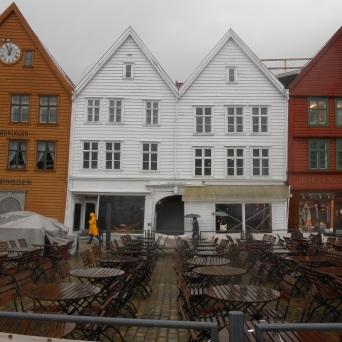 Bryggen et les terrasses des restaurants